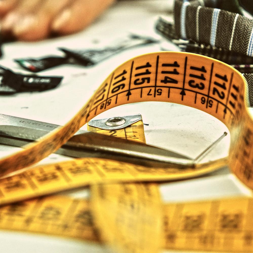 Alcuni strumenti del mestiere per realizzare cravatte sartoriali