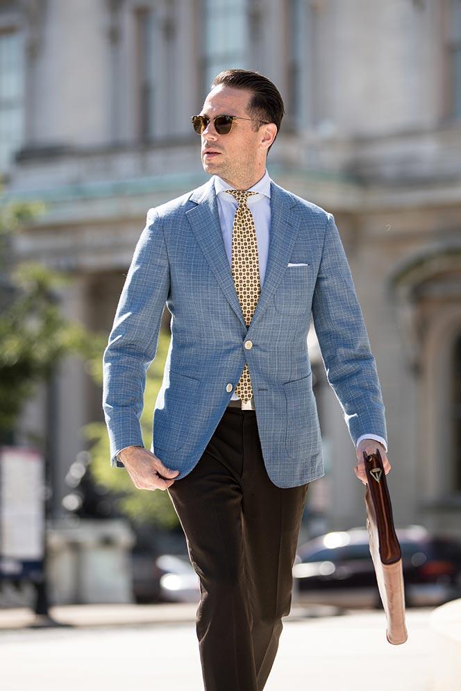 Come abbinare una cravatta in seta madder