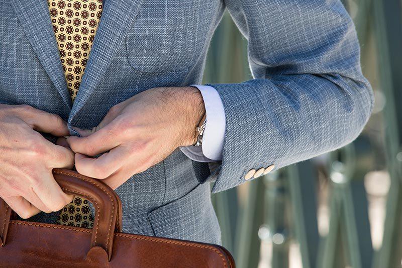 Come abbinare la cravatta in seta madder