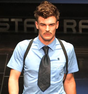 Cravatta larga
