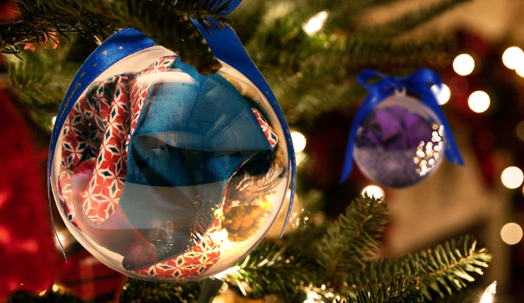regalo di natale in palla trasparente da appendere albero di natale