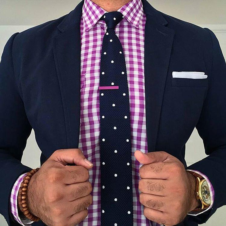Come abbinare una cravatta a pois