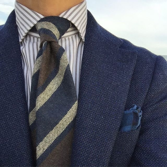 Come abbinare cravatta e camicia a righe