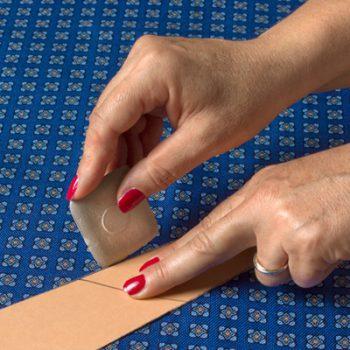 fase-disegno-cravatta-sartoriale
