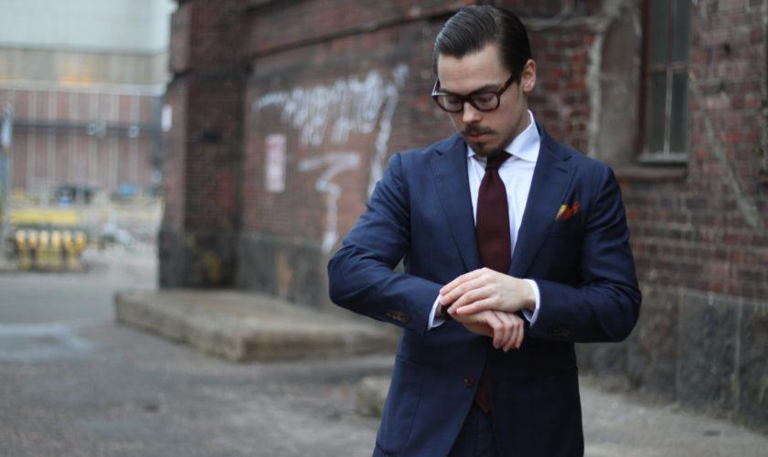 abbinare-cravatta-ad-abito-blu