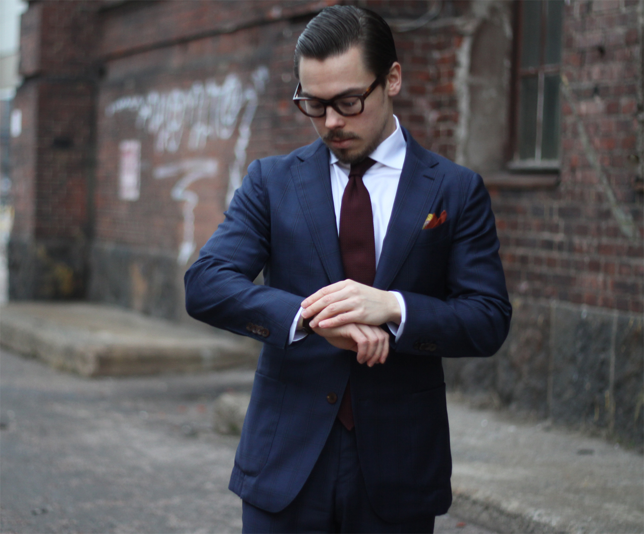 Vestito Matrimonio Uomo Bretelle : Quale cravatta abbinare ad un abito blu suggerimenti