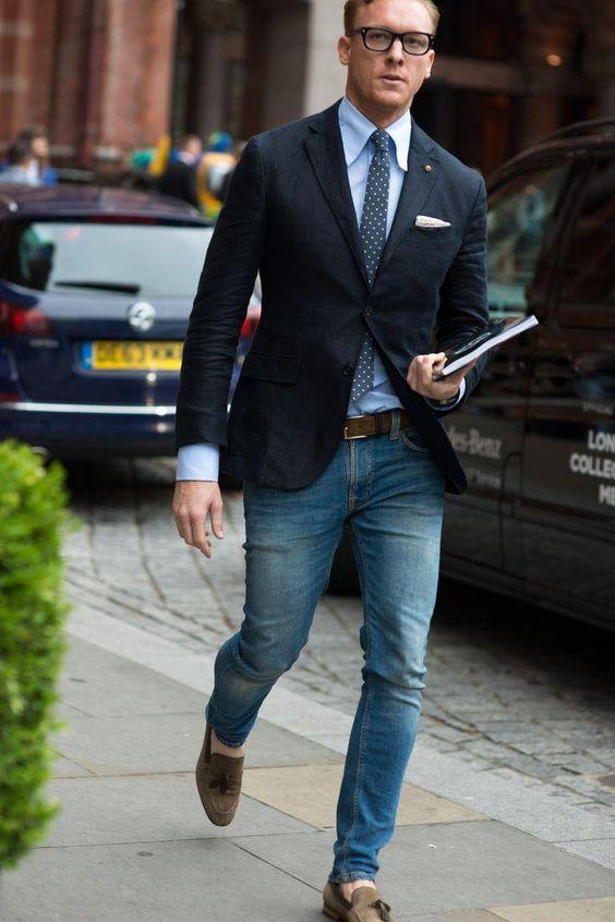 jeans e cravatta