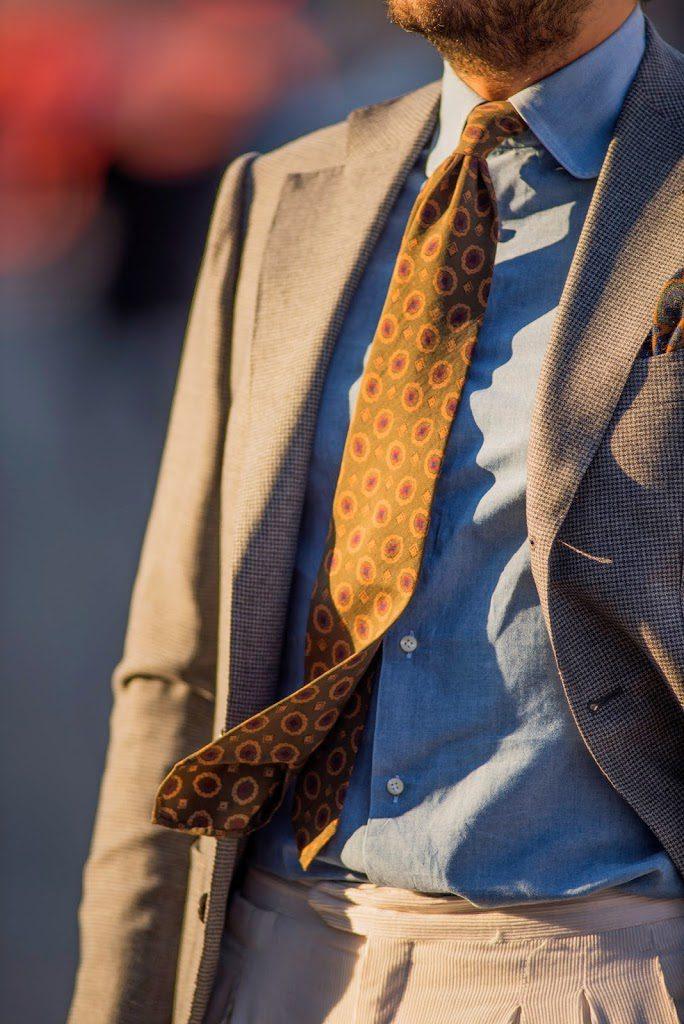 cravatta leggera