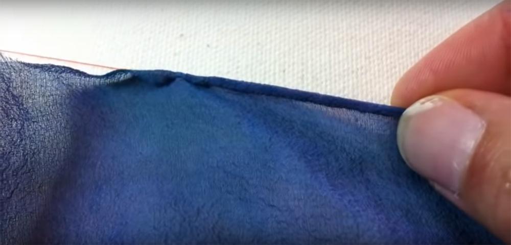 Orlatura di un foulard