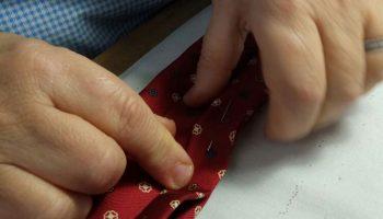 riparare_cravatta