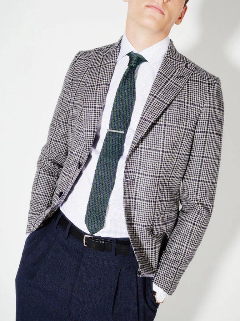 cravatta a maglia abbinamento