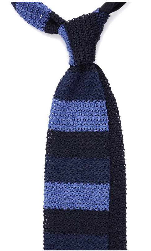 nodo cravatta a maglia