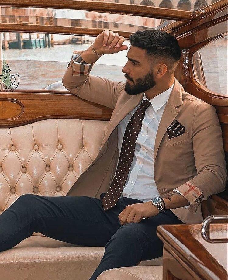 tendenze uomo primavera 2021 cravatta a pois