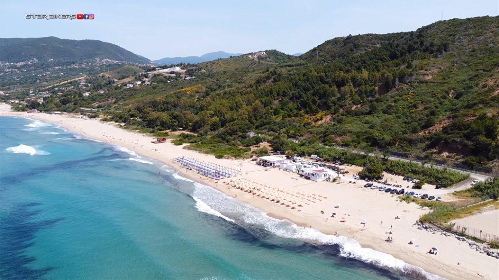 foto da drone di litorale di Palinuro dove si è svolta la decima edizione di The Distinguished Gentleman's Ride