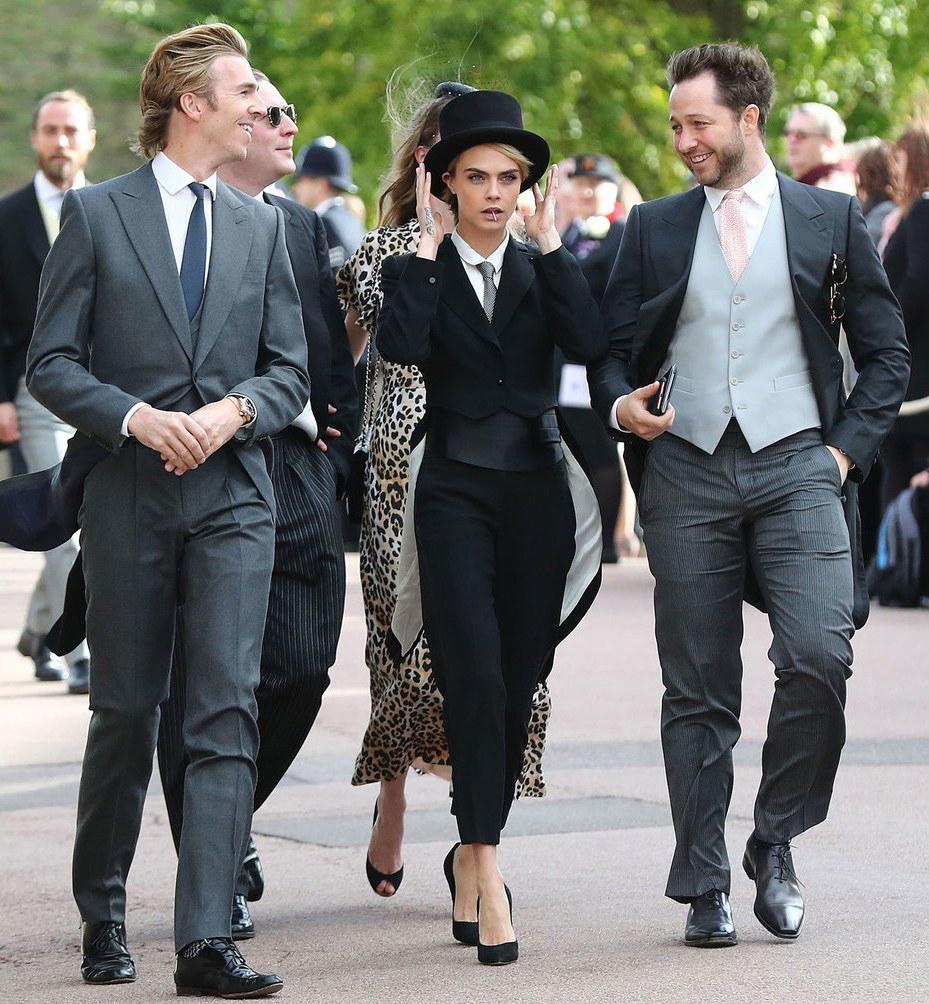 James Cook, Cara Delevingne e Derek Blasberg al matrimonio di Eugenie di York.